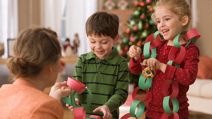 Como envolver os filhos na decoração de Natal